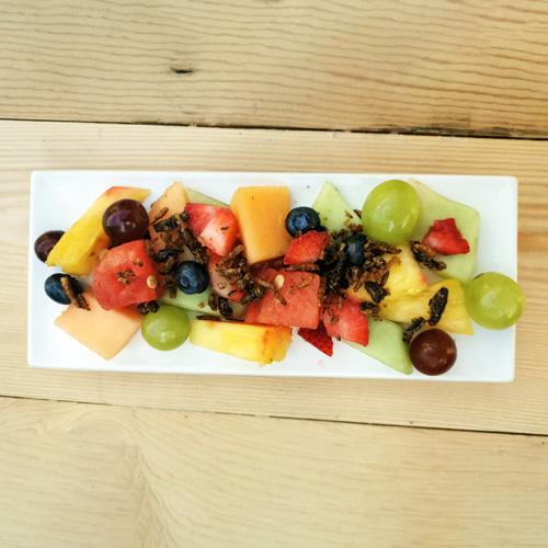 Salade_de_fruits_tenebrions_grillons_La_Mexicoise_02